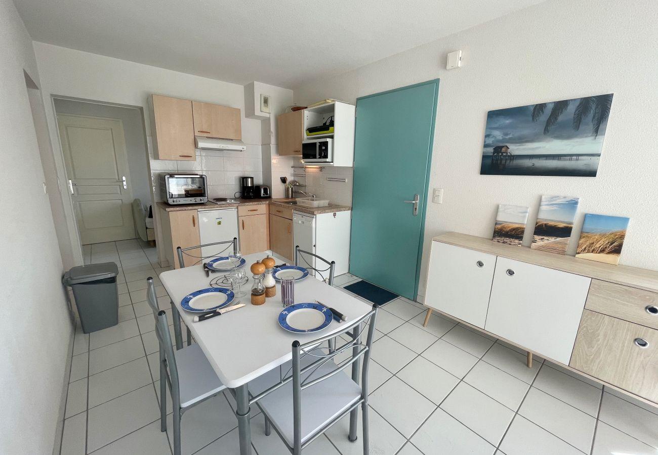 Apartment in Biscarrosse - 040 - 1 RESIDENCE DE LA COTE