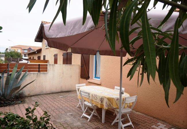 Apartment in Biscarrosse - 136 - 27 RESIDENCE LES COTTAGES 1