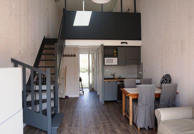Ferienhaus in Biscarrosse - 025 - 10 RESIDENCE BLEU INDIGO