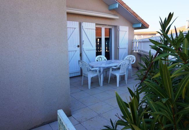 Ferienhaus in Biscarrosse - 022 - 10 RESIDENCE BLEU SAPHIR