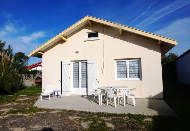 Ferienhaus in Biscarrosse - 045 - 71 RUE ANDRE LAVILLE
